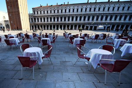 La soledad de las ciudades italianas por el coronavirus, en imágenes: Roma, Venecia y Milán vacías