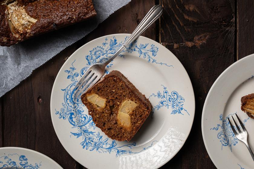 Bizcocho de avena, avellanas y manzana: la receta preferida para un desayuno energético