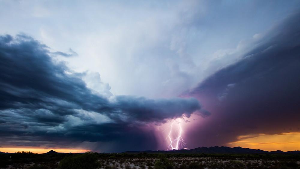 'Moonson III': La fuerza desatada de las tormentas en un impresionante timelapse 4K