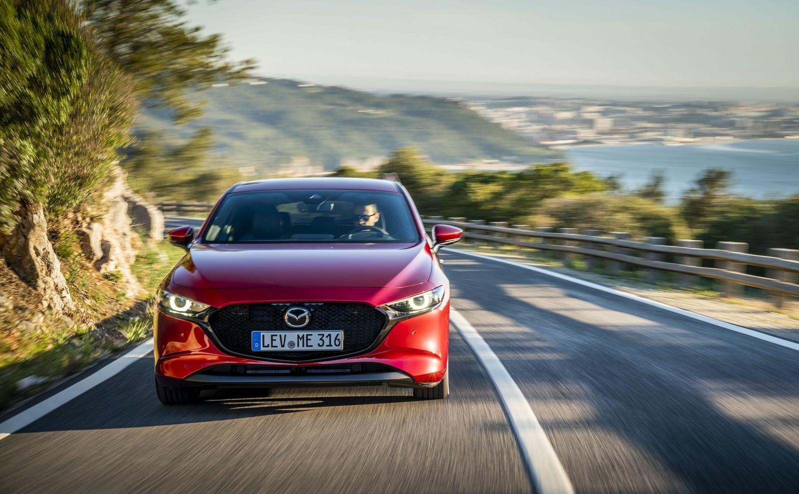 Foto de Mazda3 2019 (48/128)