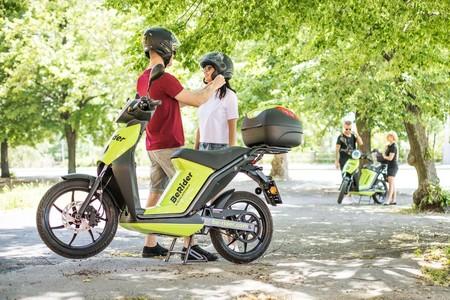Škoda se suma al motosharing con BeRider, un servicio con motos eléctricas made in Spain