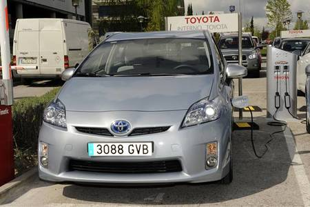 Toyota Prius Plug-In 2012: los datos definitivos del híbrido enchufable