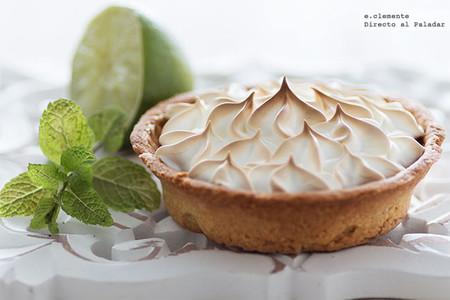 Tartaletas de crema de lima y merengue