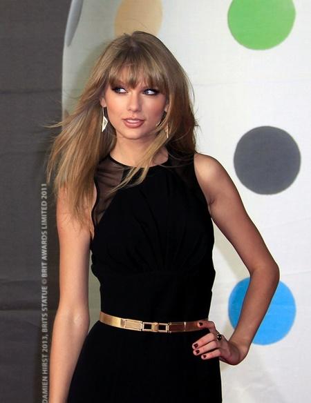 Los looks de las famosas en la alfombra roja de los Brit Awards