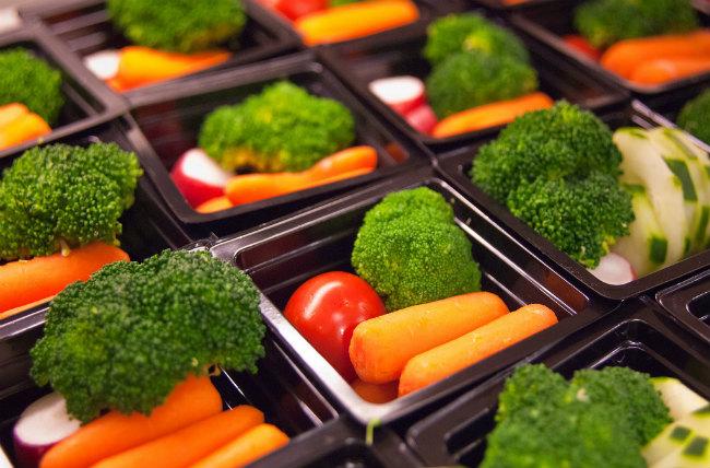 Verduras en un comedor escolar