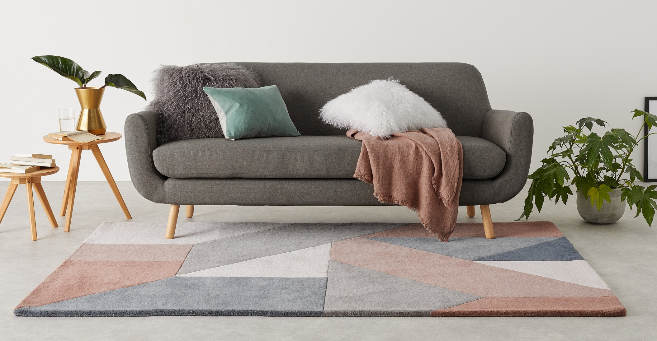 Alfombra grande de lana anudada a mano con dibujo geométrico Holden, 160 x 230 cm, rosa neutro