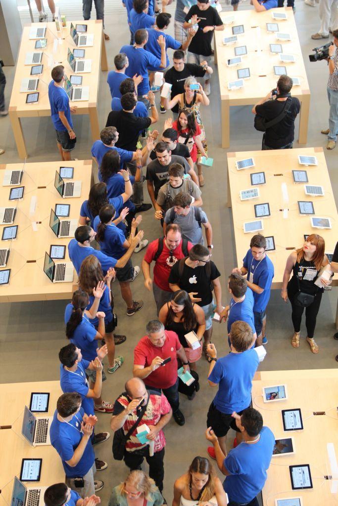 Foto de Inauguración de la Apple Store del paseo de Gracia (23/27)