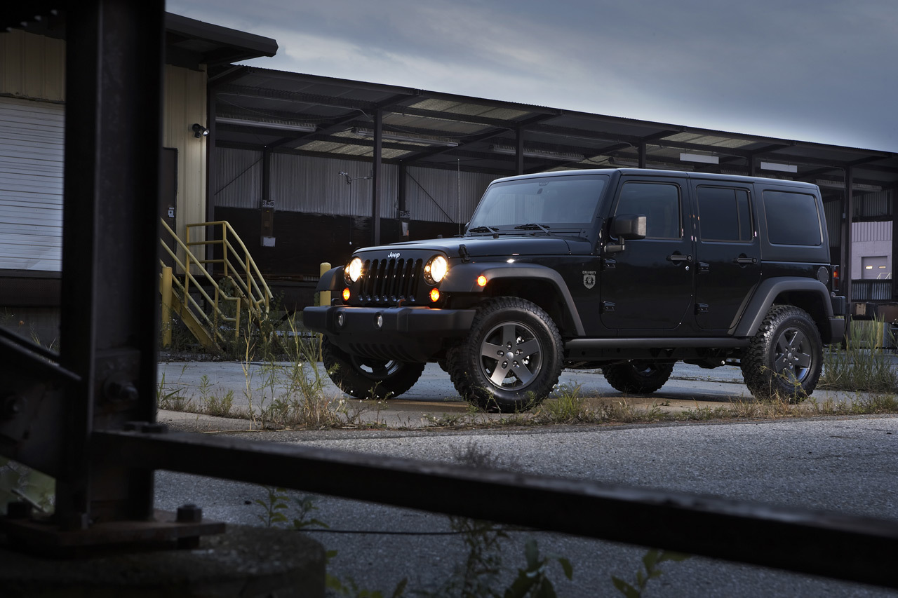 Foto de 2011 Jeep Wrangler Call of Duty: Black Ops Edition (2/3)