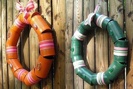 Recicladecoración: coronas navideñas hechas con latas