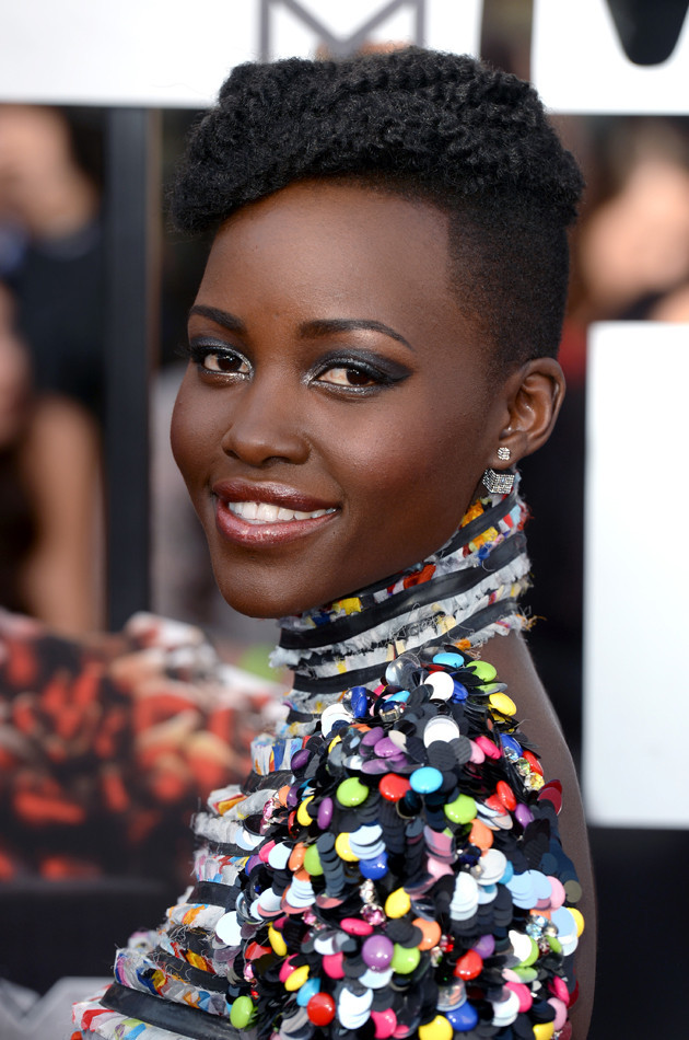 Lupita Nyongo en los MTV Movie Awards 2014