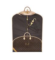 El Portatrajes Mon Monogram de Louis Vuitton admite la estampación de hasta 3 iniciales