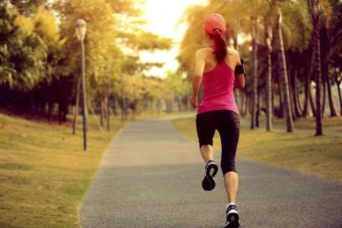 Cómo hacer un calentamiento correcto antes de salir a correr