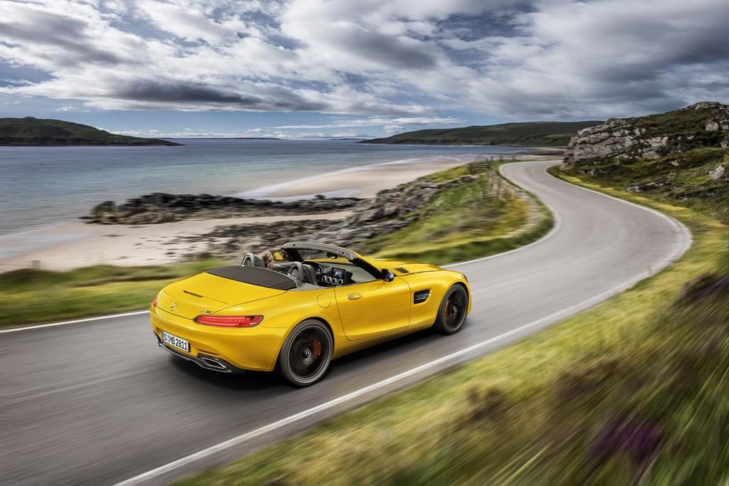 El Mercedes-AMG GT S Roadster, con 522 CV y 670 Nm de par, desembarca en España desde 198.000 euros