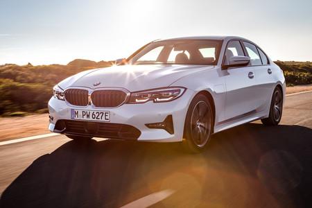 El nuevo BMW 330e híbrido enchufable llega en verano con 60 kilómetros de autonomía eléctrica