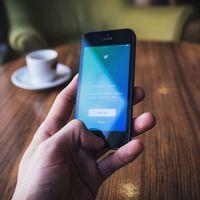 Twitter gana más dinero que nunca pese a perder usuarios mensuales: la clave está en los usuarios diarios monetizables