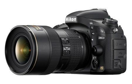 Nikon D600 - con objetivo zoom