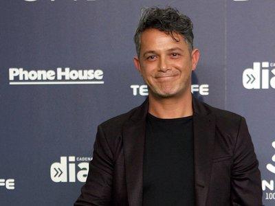 Alejandro Sanz le copia el peinado a David Bisbal en los Premios Cadena Dial