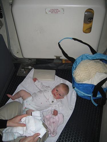 cambiar-al-bebé-fuera-de-casa