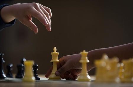"""Elena Cámara, Inspectora de Educación de Cantabria: """"hemos comprobado que el ajedrez mejora determinadas capacidades cognitivas"""""""