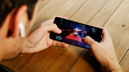 HTC U11 Plus jugando