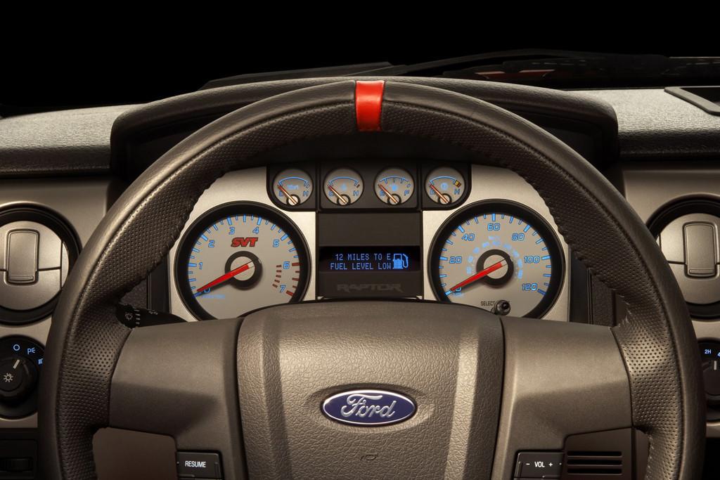 Foto de Ford F-150 SVT Raptor (21/37)