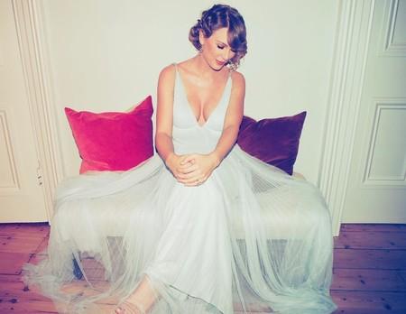 Taylor Swift y Stella McCartney unen talentos en una colección conjunta que podría venir cargada de fantasía, romance y colores empolvados