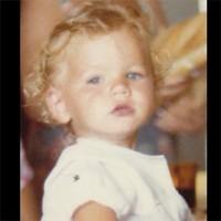 Adivina quién... es este rubiales de ojos azules tan adorable