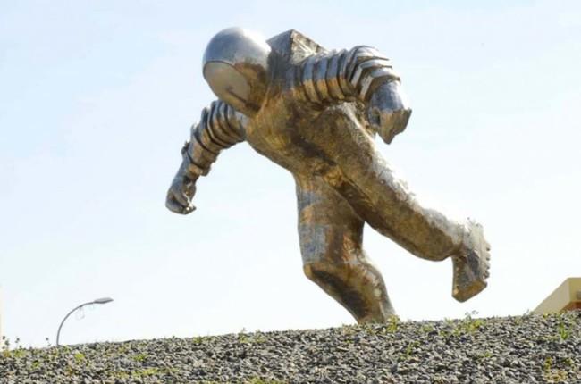 La fascinante estatua de El Astronauta