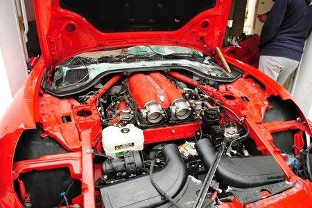 Ferrari California saqueado en Tunez