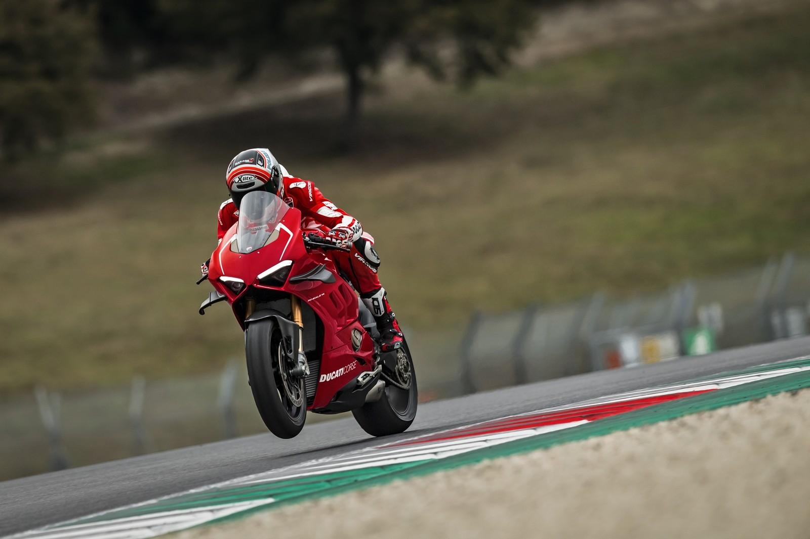 Foto de Ducati Panigale V4 R 2019 (35/87)