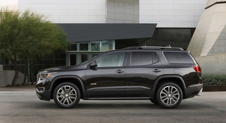 Chevrolet revivirá el nombre Blazer para un nuevo crossover basado en el GMC Acadia