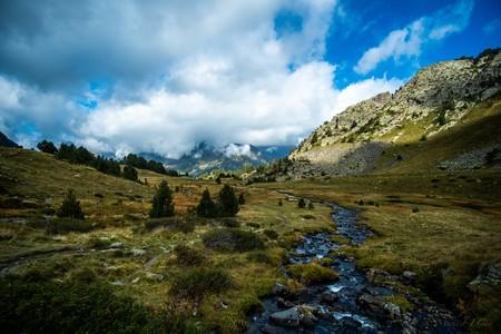 Hasta el sitio más recóndito de los Pirineos tiene tantos microplásticos como ciudades como París, Madrid o Barcelona