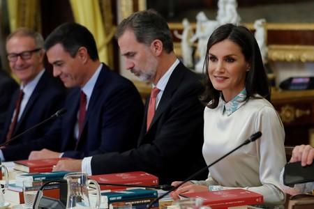 La falda de mantón de manila de doña Letizia cobra todo el protagonismo de su último look