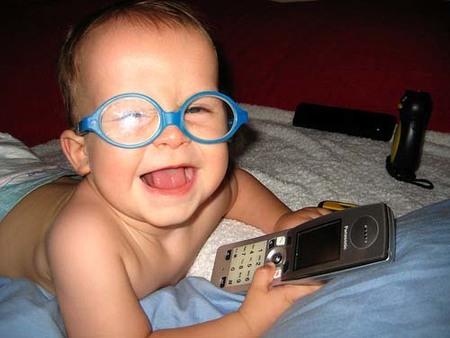 La foto de tu bebé: las gafas azules de Leo