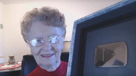 Esta señora de más de 80 años ya tiene 300 gameplays de Skyrim... y sigue sumando