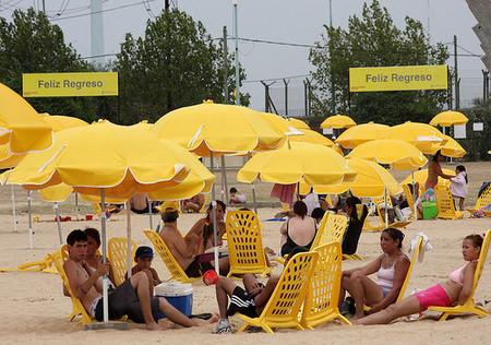 Buenos Aires abre dos playas artificiales al público
