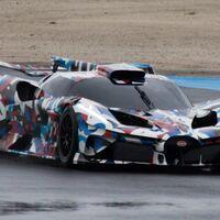 Bugatti saca a pasear a su nuevo hypercar y los paparazzis lo sorprenden