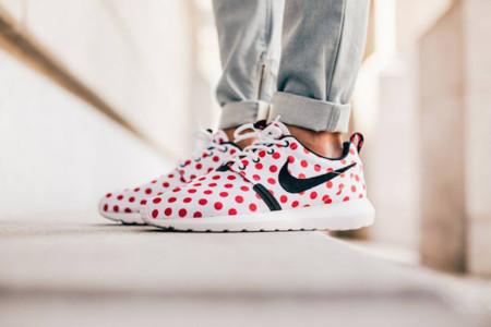 Tus pies son flamencos con la edición Dots de las Roshe Run de Nike