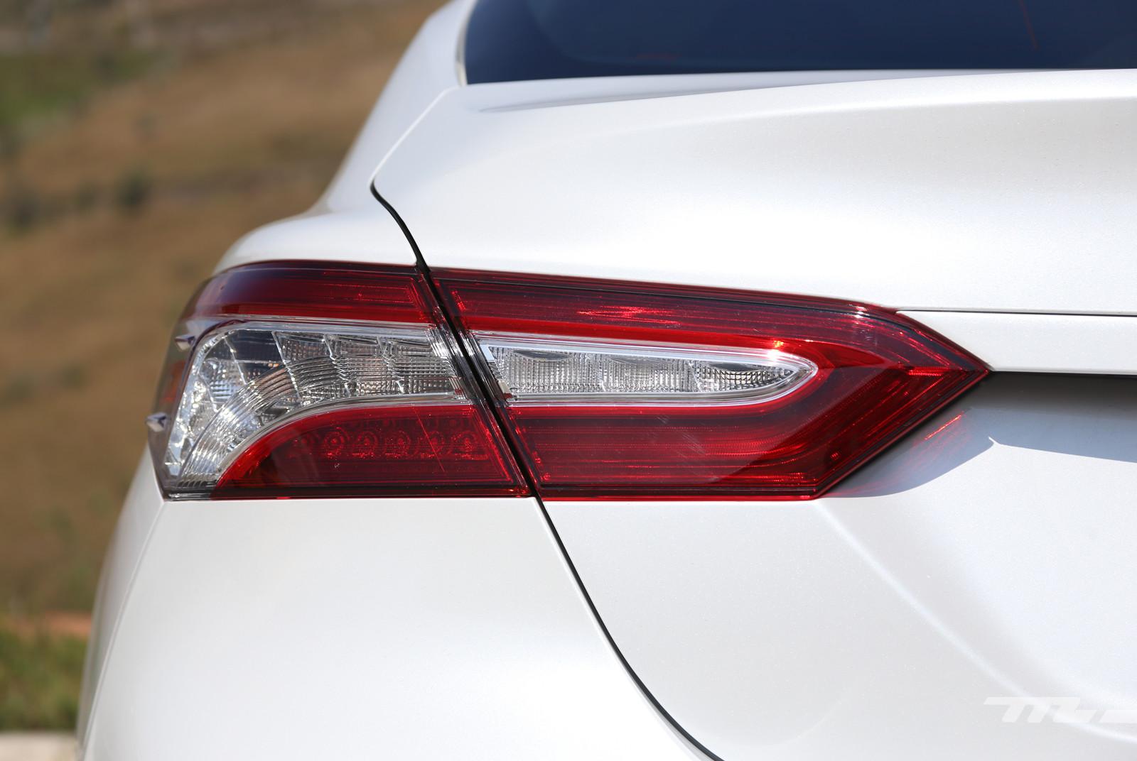 Foto de Toyota Camry Hybrid (prueba) (19/21)