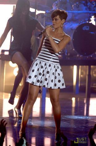 Los looks de Rihanna en la Gala de Operación Triunfo