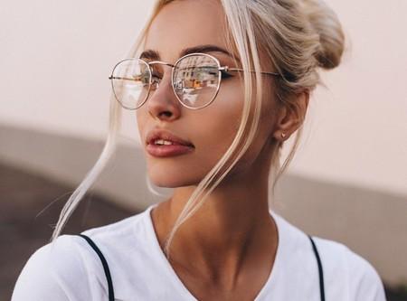 Cómo limpiar las gafas: errores a evitar y trucos para dejarlas cristalinas