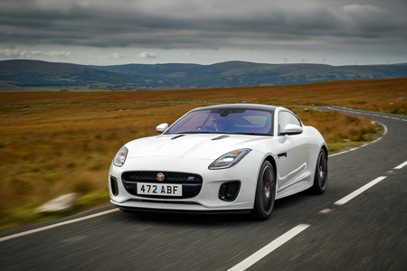 "Jaguar F-Type ""Chequered Flag"": celebrando el 70 aniversario del primer deportivo de Jaguar"
