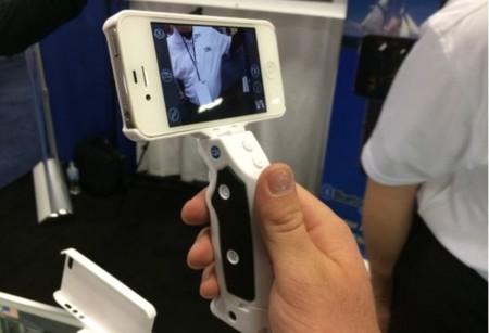 Grip&Shoot, el trípode de mano para los que quieren grabar con su iPhone