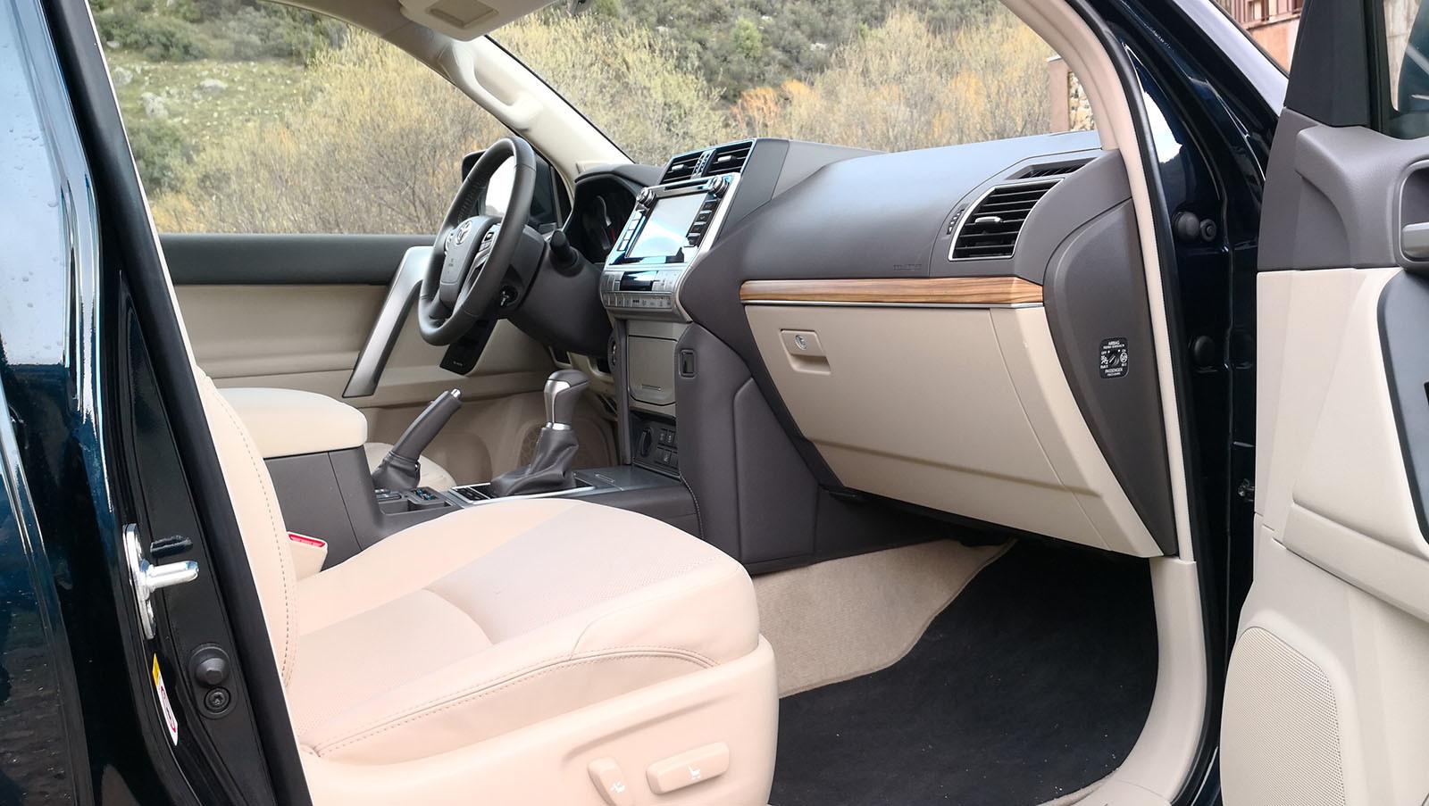 Foto de Toyota Land Cruiser - Fotos interiores y detalles (6/42)