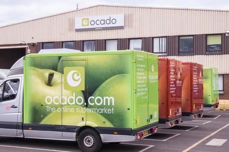 Ocado, un supermercado sin tiendas físicas, con más de 1100 robots autónomos y que, afirman, son superiores a Amazon