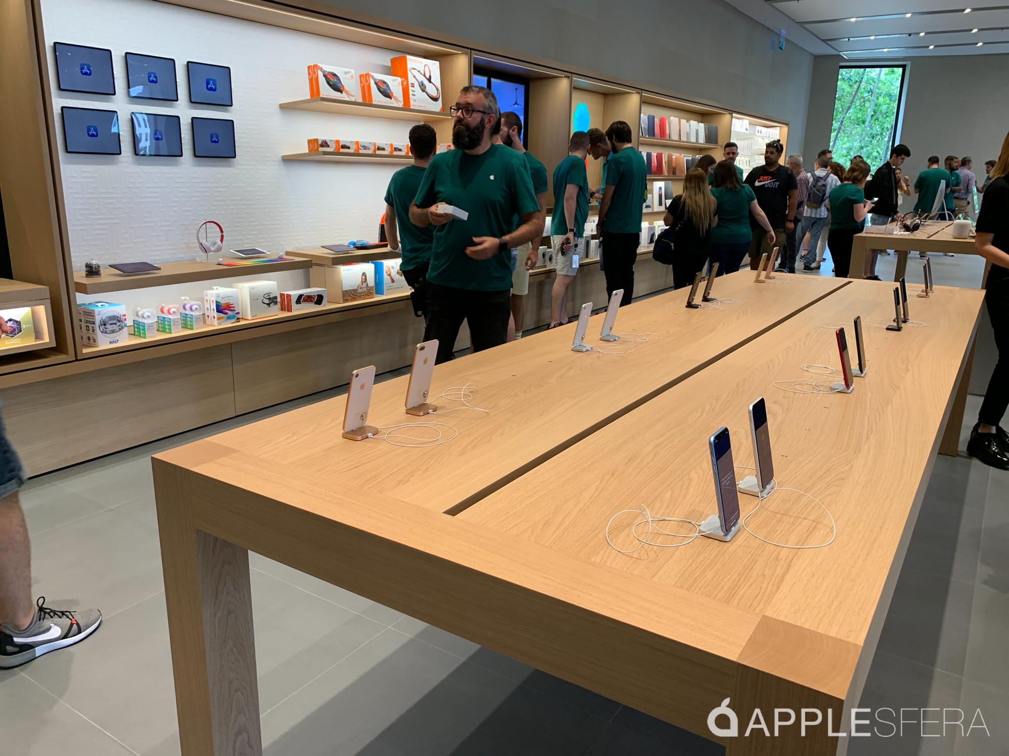 Foto de Apple Store Passeig de Gràcia (19/28)