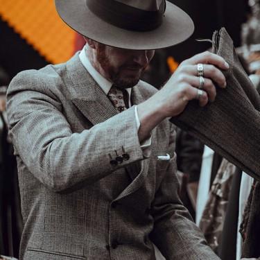 Aplica éstas reglas esenciales que no debemos olvidar a la hora de vestir un traje