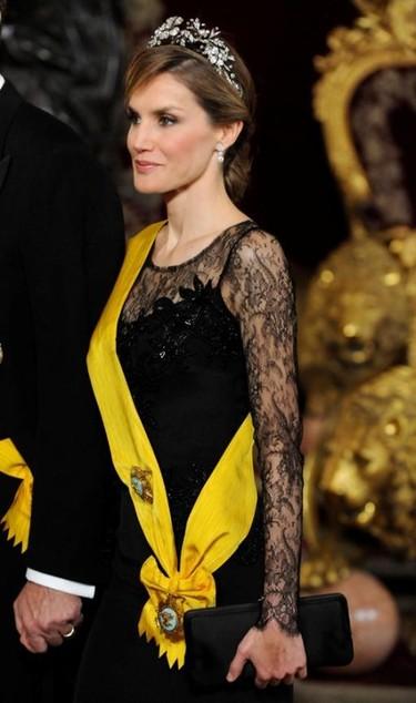 La reina Letizia, una cigarerra mexicana para la prensa británica