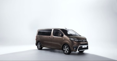 Toyota Proace Verso 002