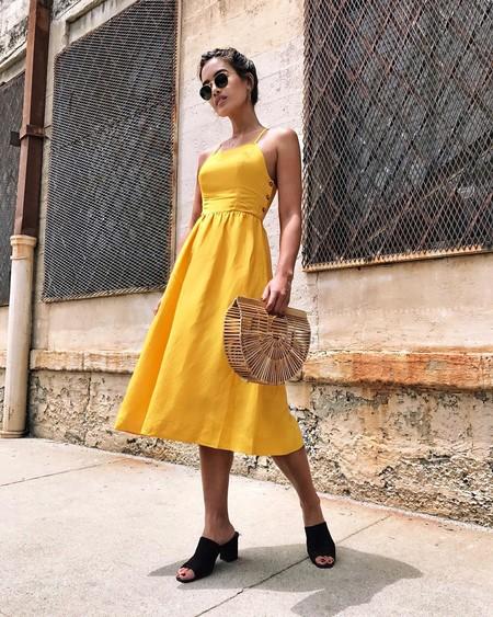El amarillo es un color perfecto para el verano y estas instagrammers nos enseñan 19 maneras de combinarlo